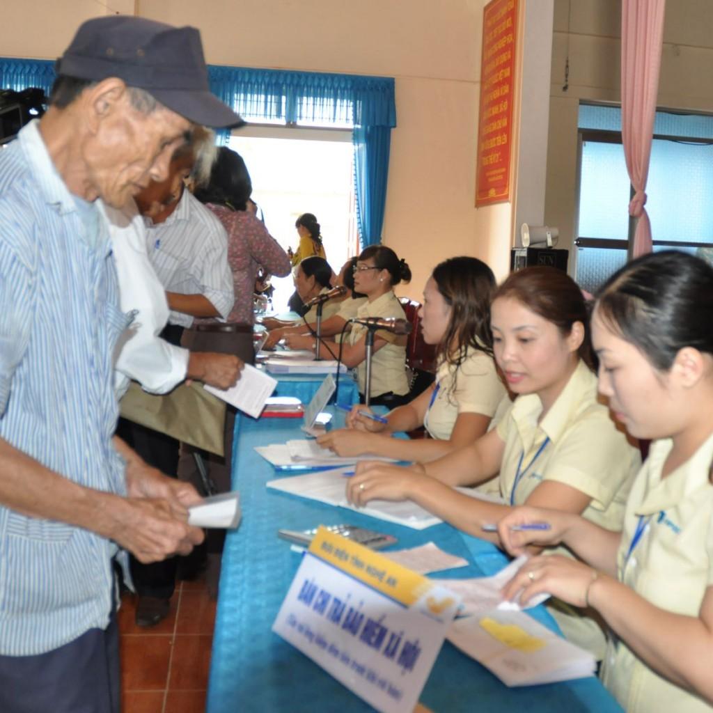 Tổng đài tư vấn và giải đáp thắc mắc BHXH tại Hà Nội